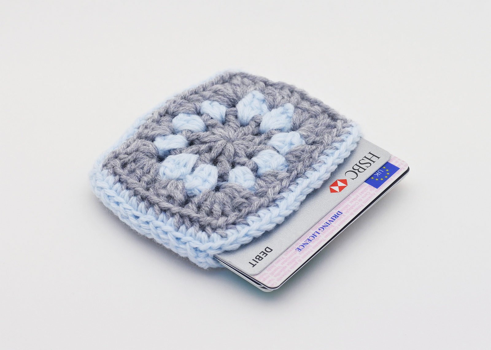 Granny Square Case for Cards – Perfect Travel Companion For Summer Excursions!