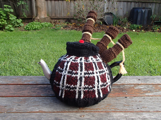 Knitted Bagpipes Tea Cosy