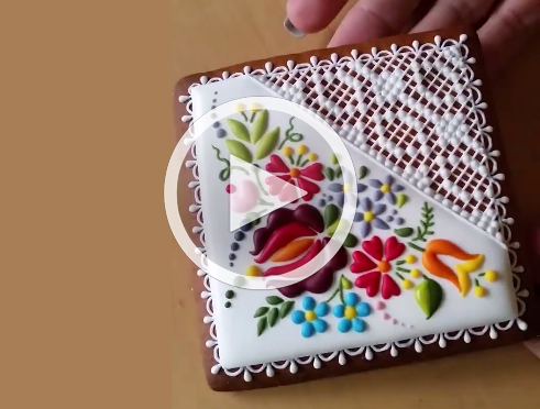 Watch How This Ornate Cookie is 'Embroidered' With Icing – YUM!