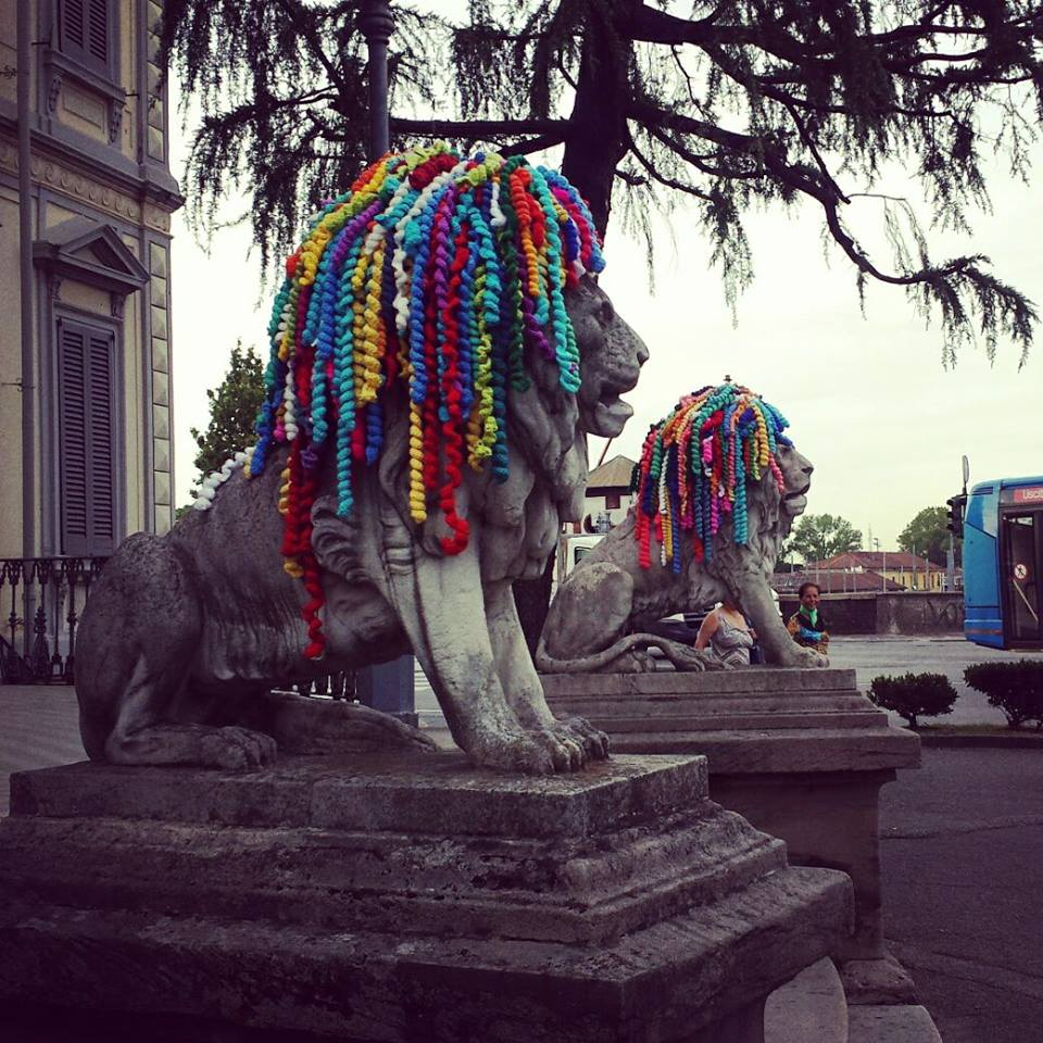 Dreadhead Lions Yarn Bomb Spotted in Monza, Italy - One Love!