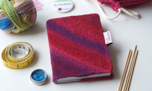 Knit One for the Books …This Fun Book Sleeve Pattern is FREE!