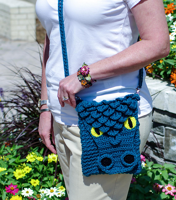 Crochet a Dragon Cross-Body Bag - Perfect For Game of Thrones Fans!
