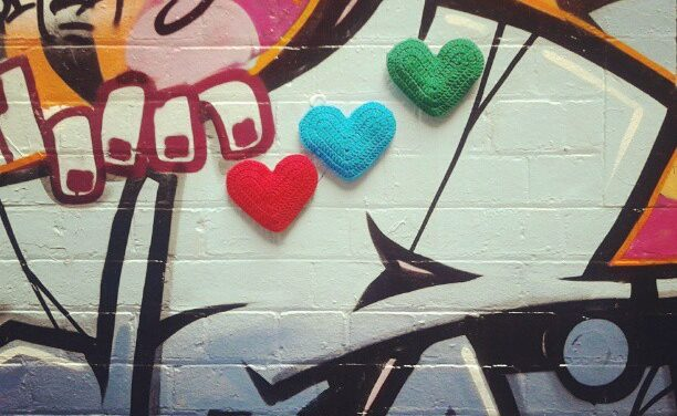 3D Heart Yarn Bomb Meets Street Art By The Twilight Taggers
