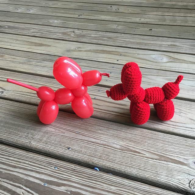 Finn's Pick: Crochet This Fun Balloon Dog – a Must-Make for Jeff Koons Fans!