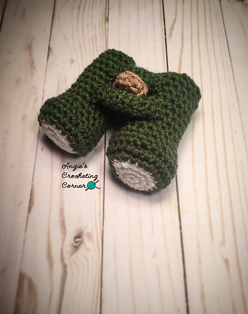 Crochet These Baby Binoculars for the Budding Birdwatchers In Your Life