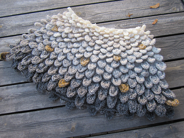Crocodile Stitch Shawl For Knitters – Get the Pattern!