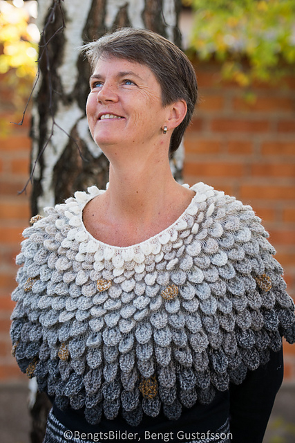 Crocodile Stitch Shawl For Knitters Get The Pattern Knithacker