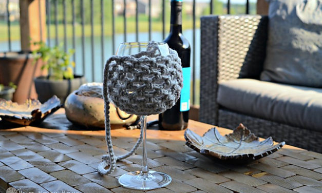 Three Free Wine Glass Holder Patterns For Crocheters – So Pretty!
