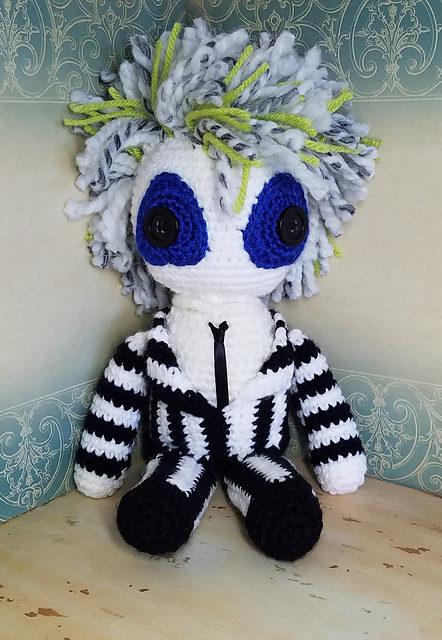 Beetlejuice-Inspired Crochet Amigurumi Dolls – Love The Hair, Love Lydia Deetz's Lace!