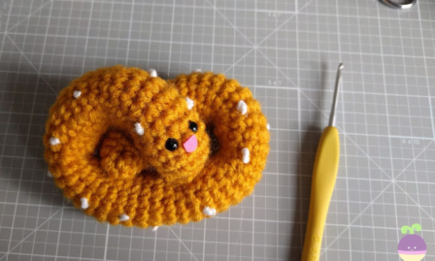 Crochet a Pretzel Amigurumi for Eat a Pretzel Day – FREE Pattern!