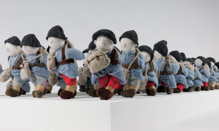 """Wool War One"" – Visit Montreal to See an Army of 780 Small Soldiers, Knitted By 500 Volunteers Worldwide!"