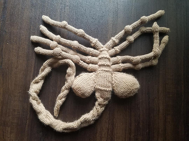 Knit A Facehugger Gives Free Hugs Pattern Is Free Too Knithacker