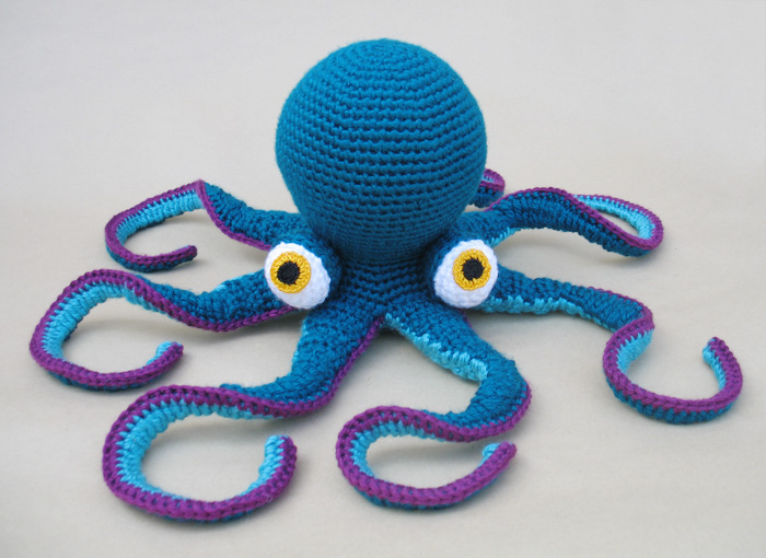 Crochet A Giant Octopus Amigurumi So Fun And The Pattern Is FREE Inspiration Crochet Octopus Hat Pattern