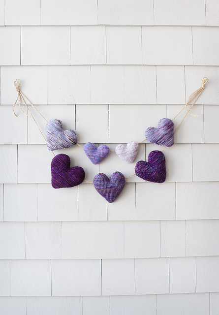 Easy 3D Hearts in Stockinette Stitch