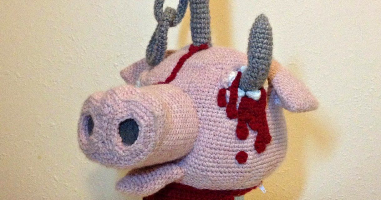 Not For the Squeamish! She Crocheted a Decapitated Pig's Head Purse