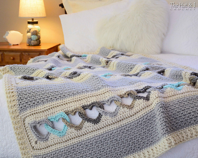 5 Crochet Patterns That Use Interlocking Stitch Techniques, Including That Famous Heart Blanket!