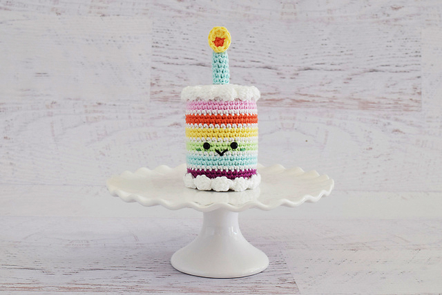 Crochet A Mini Rainbow Birthday Cake The Pattern Is Free Knithacker