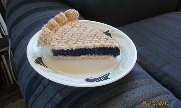 Crocheted Slice of Blueberry Pie – Yum! Crochet Your Own With This Fun Free Pattern!