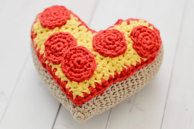 Crochet a Heart-Shaped Pizza Amigurumi … Extra Pepperoni Means Extra LOVE!
