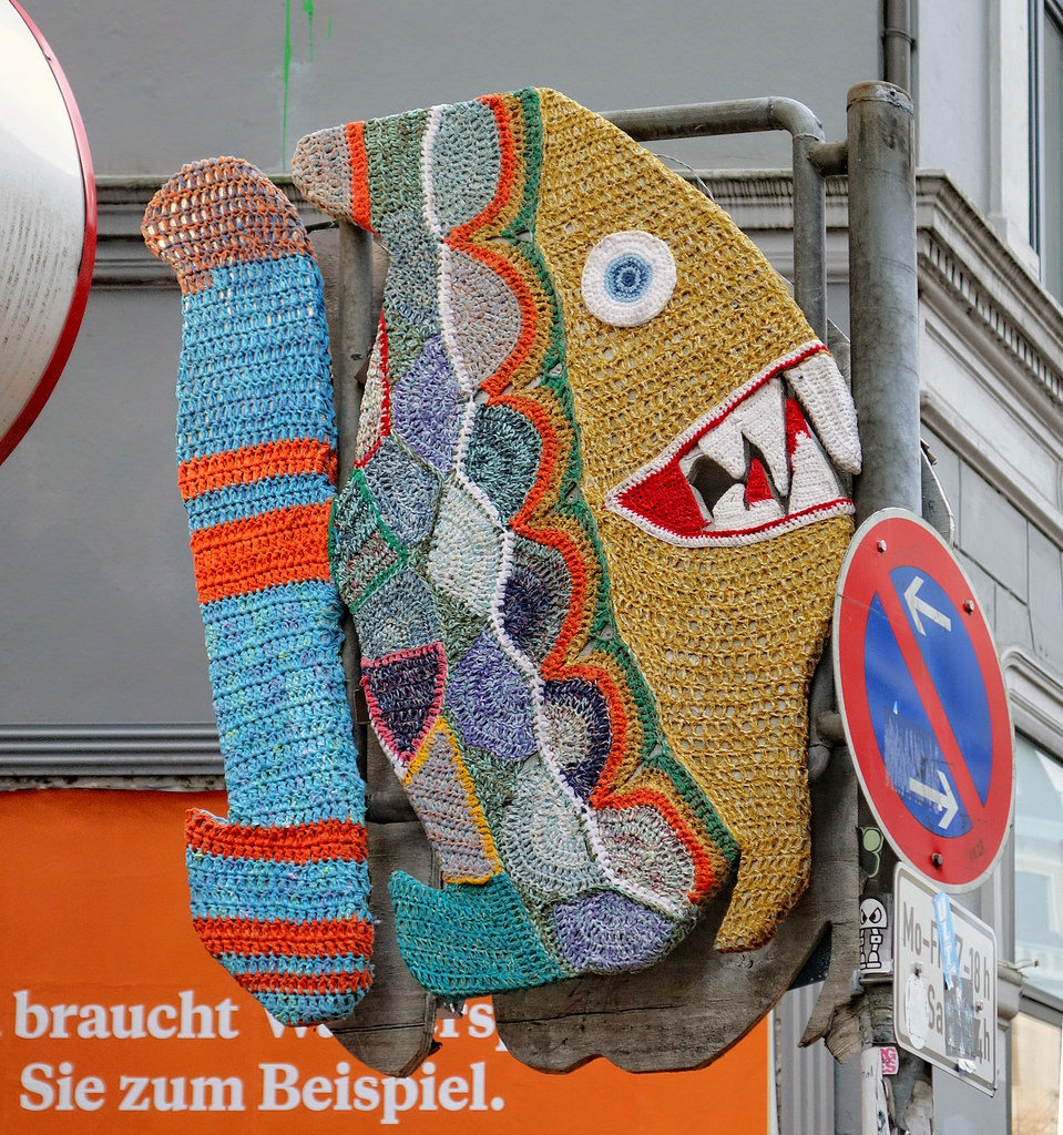Piranha Yarn Bomb, photographed by txmx 2