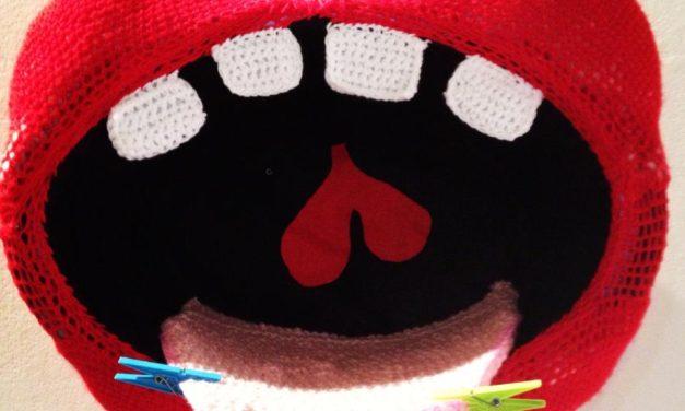 Big Mouth Strikes Again … Amazing Crochet Mouth By Guerrilla Crochet Casteddu