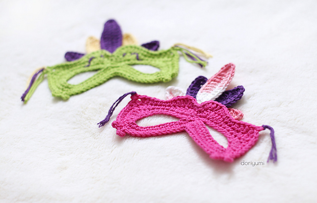 Adorable Mardi Gras Mask for Kids – Crochet One in Time For Fat Tuesday!
