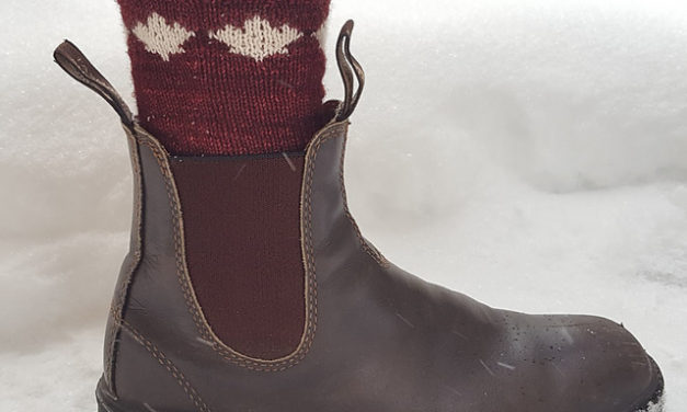 Blame Canada For This Charming Pair of Maple Leaf Socks – Knit 'Em Up, The Pattern is FREE!