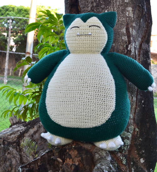 Ravelry: Cory the Giant Bunny pattern by Ilaria Caliri (aka airali) | 550x500