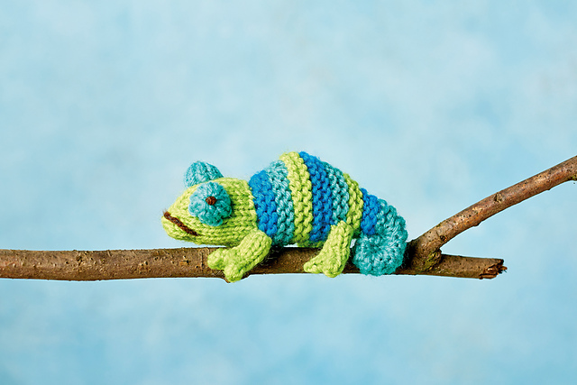 Knitters Love Tiny Chameleons Too and Good News, Now There's a Pattern For You!