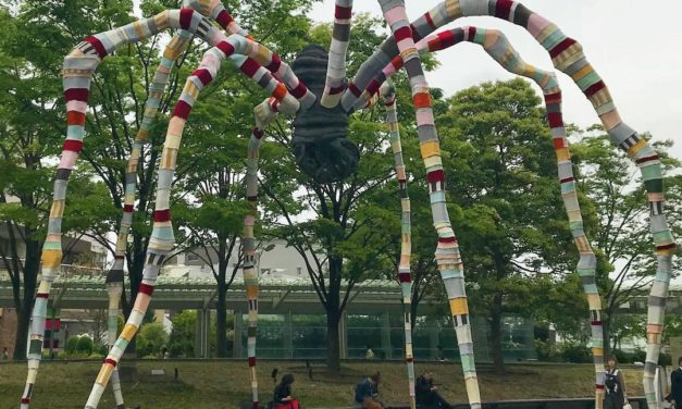 Louise Bourgeois' Maman Sculpture Gets Yarn Bombed By Magda Sayeg