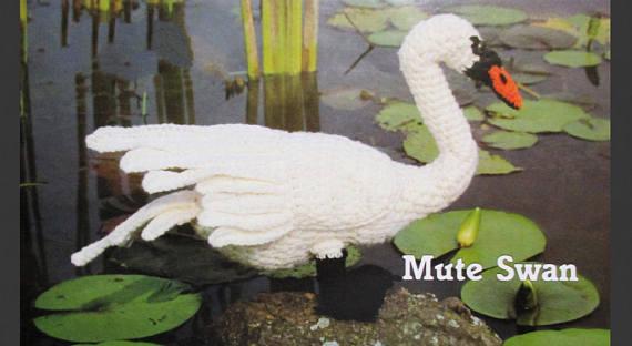 Mute Swan - Get This Vintage Bird Pattern