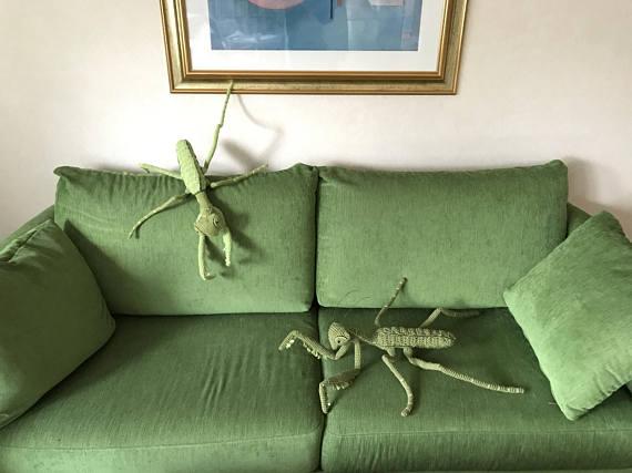 Wow the Neighbors, Amaze the Kids ... Crochet a Jumbo-Sized Praying Mantis!