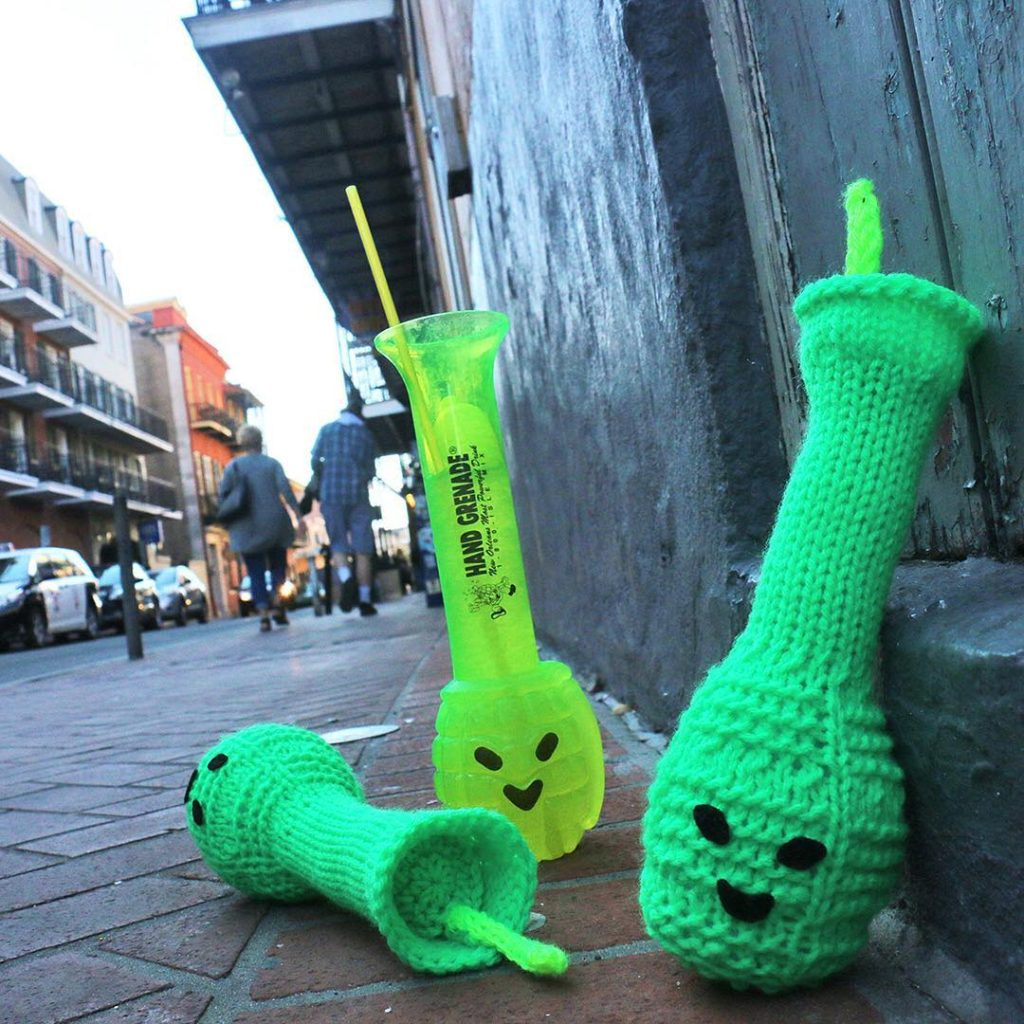 She Knit a Hand Grande, French Quarter Style!