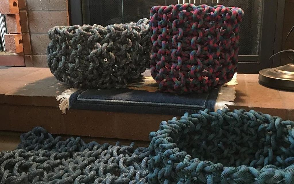 She Transformed Old Ropes Into Three Baskets and a Mat!