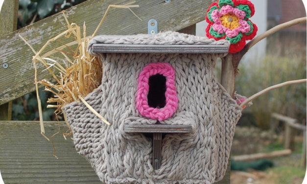 Yarn Bombing a Functional Bird House For Your Backyard!