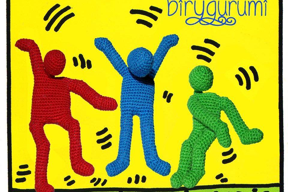 Check Out Birygurumi's Crochet Amigurumi Tribute To Keith Haring – So Colorful!