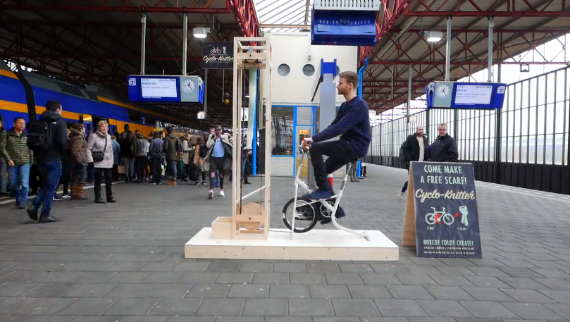 Commuters Can Knit a Scarf in Under Five Minutes With the Amazing Pedal-Powered 'Cyclo Knitter'