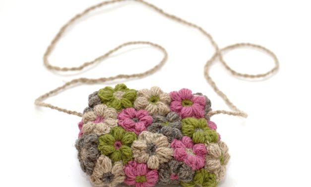 Crochet a Cute Flower Bag – Free Pattern, Smart Stashbuster!