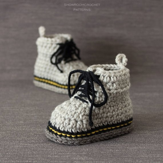 19d5227d8fe2 Crochet Baby Sneakers Make The Best Gift