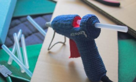 Unusual Crochet: Check Out 203gow's Inoperable Glue Gun