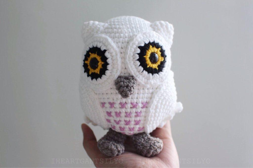 Crochet A 70s Inspired Snowy Owl Amigurumi Free Pattern From Fei