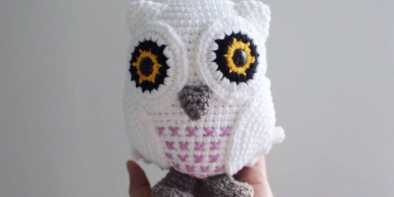 Crochet a 70s-Inspired Snowy Owl Amigurumi … Free Pattern From Fei of iHeartGantsilyo