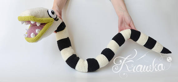 Crochet a Beetlejuice-Inspired Sandworm – His Name is 'Nightmare' …