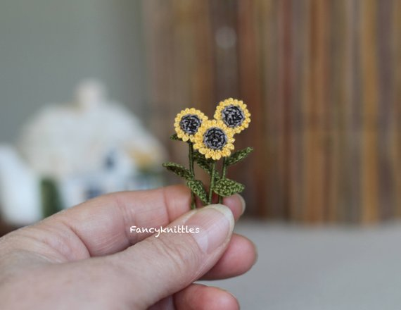 These Teeny-Tiny Miniature Crochet Sunflowers Are Adorable ... But Wait, There's More!