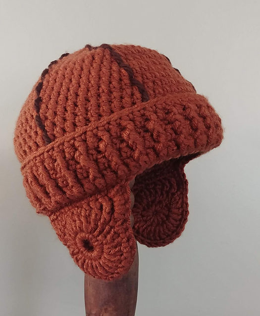 Crochet a Vintage-Style Leatherhead Football Helmet – Now This is Unique!