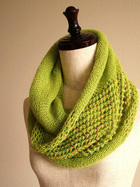 Knit a Jubilant Jeweled Cowl Designed By Sachiko Uemura – The Pattern is FREE!