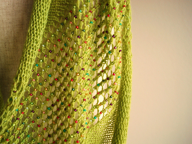 Knit a Jubilant Jeweled Cowl Designed By Sachiko Uemura - The Pattern is FREE!