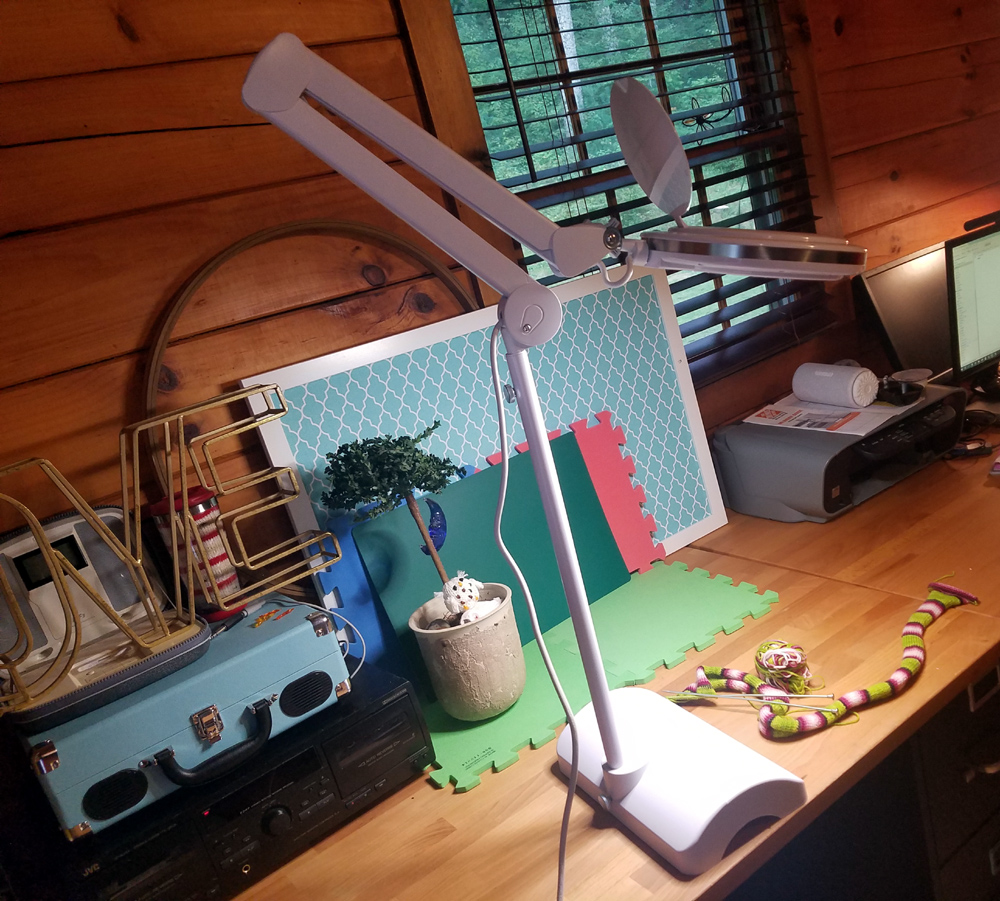 Review: Brightech's LightView 2in1 from the Liteview Magnifier Series - Perfect For Fiddly Fiber Crafts!