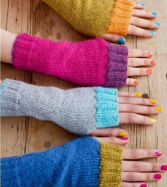 Retro Rules With These Funky Fun Fingerless Gloves … You'll Want To Knit These Now!
