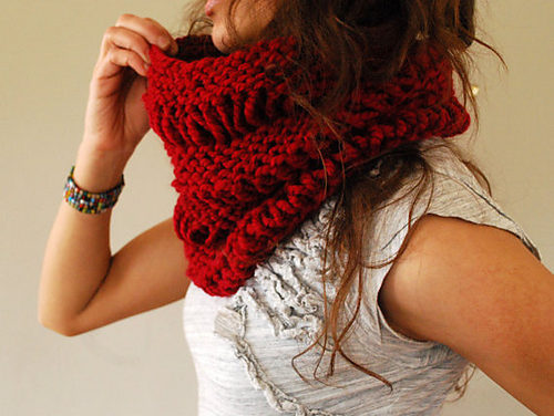 Knit a Gorgeous Drop Stitch Cowl In Time For Fall, Get the Pattern From Abi Gregorio